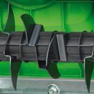 Vertikutiereinheit mit sieben Doppelmessern