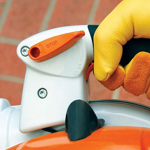Blokada dźwigni gazu z przyciskiem stop