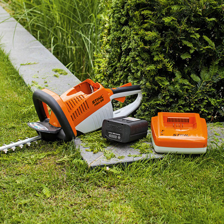 Hsa 66 taille haies for Taille haie a batterie stihl