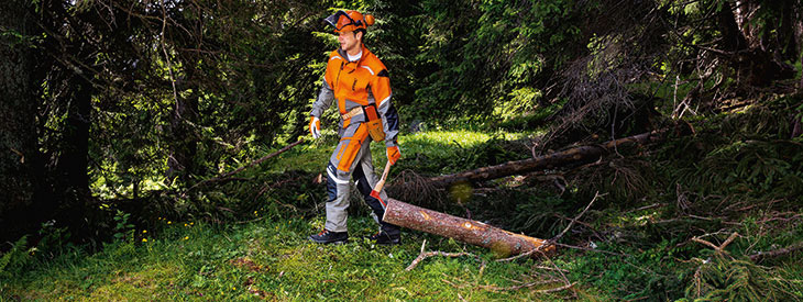 Forestry work overalls with cut-resistant trousers