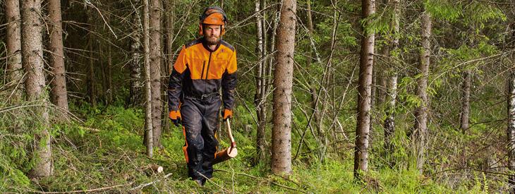 Arbeitsanzüge für die Forstwirtschaft