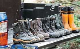 Bottes en caoutchouc et bottes en cuir STIHL pour le travail à la tronçonneuse