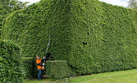 Pitkävartiset pensasaitaleikkurit