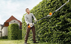 Cordless Long-reach Hedgetrimmers