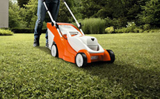 Lithium-ion lawn mowers