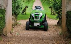 Трактори для газонів - трактори-газонокосарки VIKING