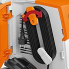 Otočný držák přívodního elektrického kabelu