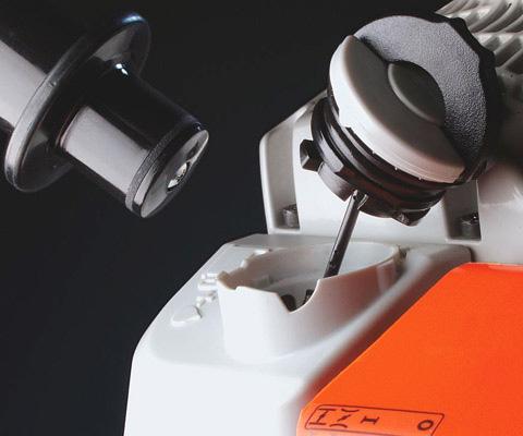 Tool free fuel caps
