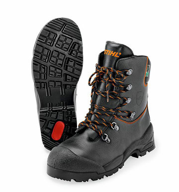 FUNCTION chainsaw boots