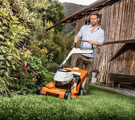 RMA 448 TC Lawn mower