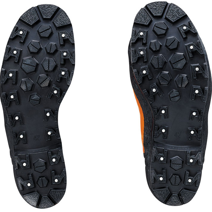 Studs for rubber chainsaw boots