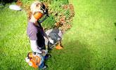 Trabajos en jardín o agricultura, siega de maleza y hierba resistente