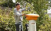 Traitement par de puissants broyeurs de jardin à essence