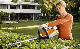 Lithium-Ion Hedge Trimmers