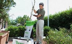 Tocătoare electrice de grădină cu dispozitiv de mărunţire