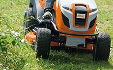 Ride-on lawn mower mulching kits