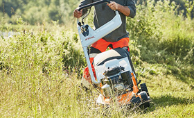 Petrol lawn mower for professional use