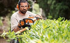 Podadores para conservação e jardinagem profissional