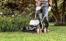 Cordless mulching lawn mowers for domestic use
