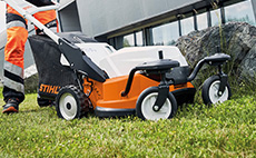 Cordless lawn mowers for professional use