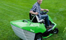 Accessories for lawn tractors