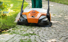PRO cordless power system sweepers