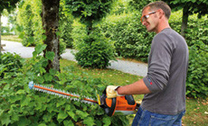 Accessories for hedge trimmers