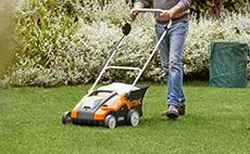 Cordless lawn scarifier